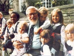 Глен Доман с детьми