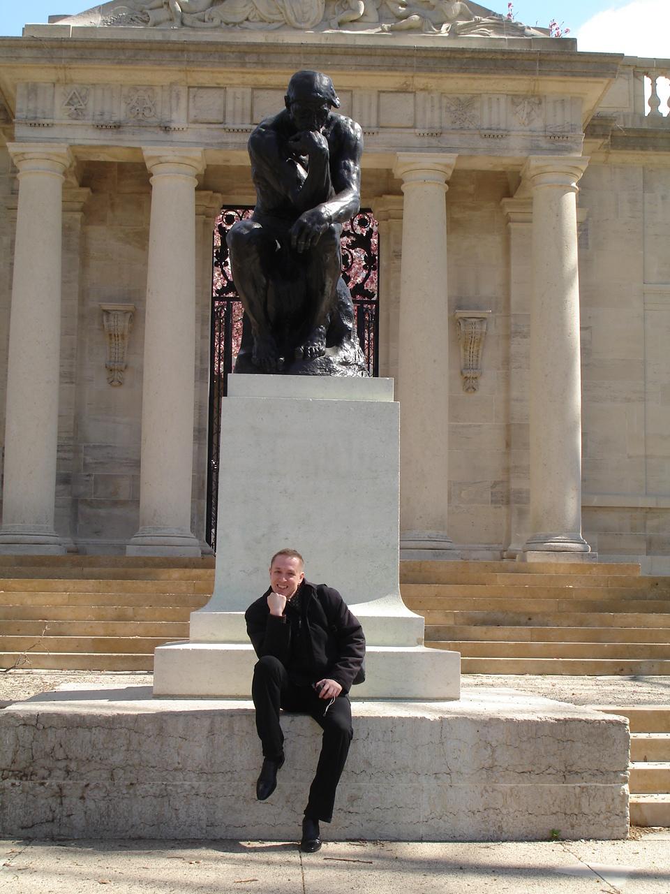 С Мыслителем в музее Родена в Филадельфии