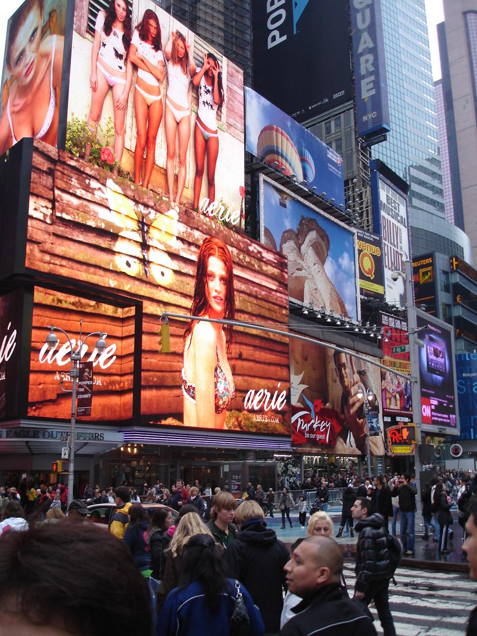 Нью-Йорк. Таймс-сквер. Реклама.