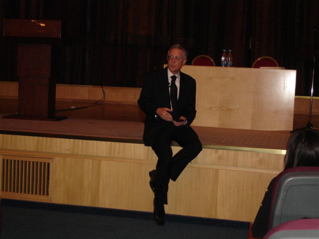 Дуглас Доман отвечает на вопросы родителей (Москва, 25 октября 2011 года)